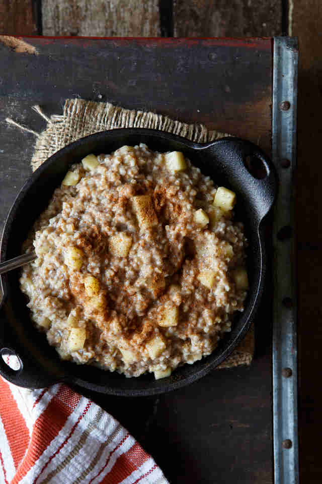 Apple cinnamon vegan steel-cut oats
