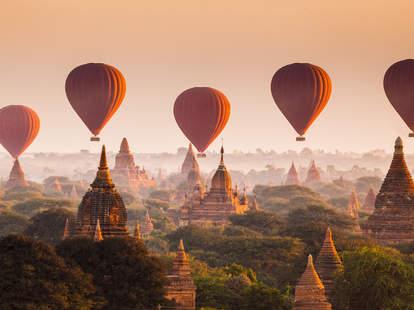 Myanmar Bagan balloon