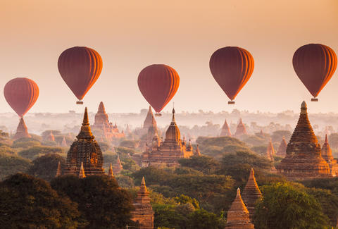 Myanmar Bagan balloon