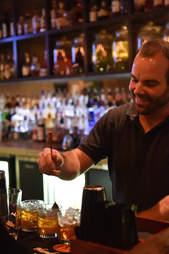 Stuart Thompson bartender Icenhauer's Austin