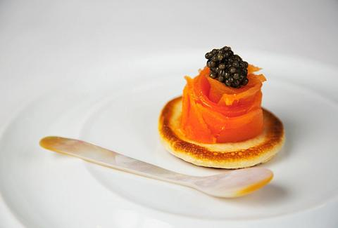 smoked salmon with caviar