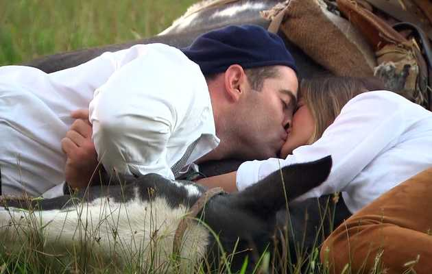 'The Bachelorette' Recap: Kissing on a Horse Can't Be Sanitary