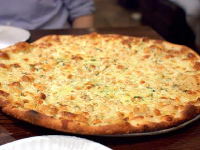 denino's pizza