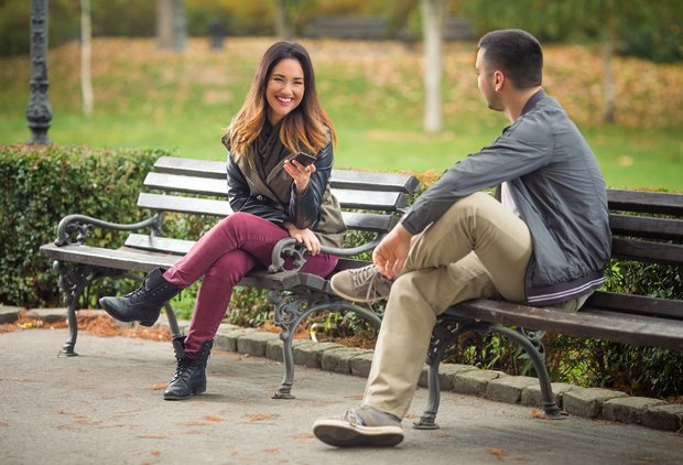 Why Dating Signals Are Easy To Misread