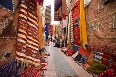 moroccan rugs in marketplace