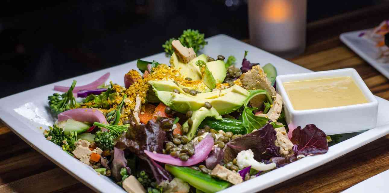 Detroit\'s Vegetarian-Friendly Restaurants That Don\'t Suck