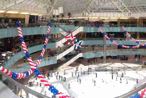 Galleria Dallas ice skating