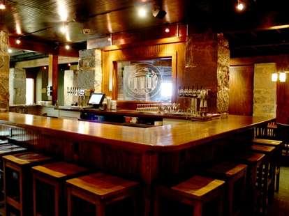 wrecking bar brewpub interior
