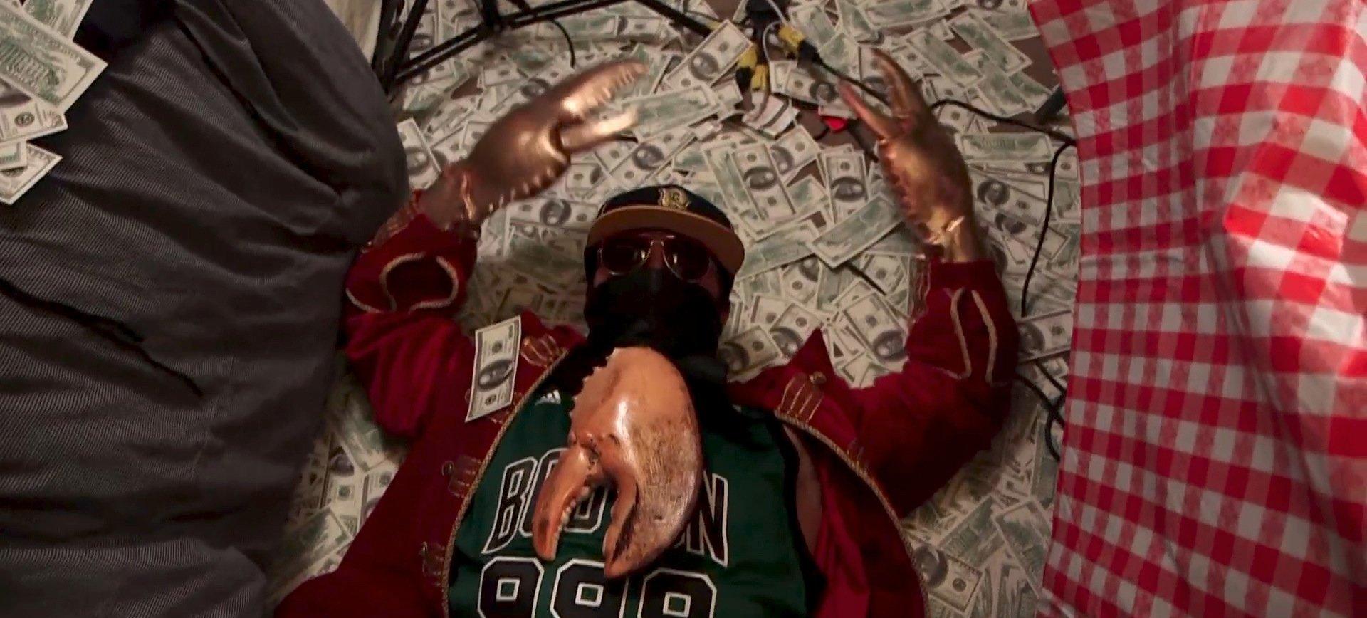 Dr. Klaw, NYC\'s Illegal Underground Lobster Roll Dealer, Gets Back Into Business