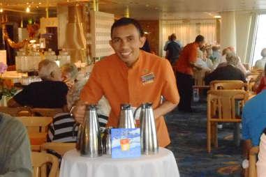 Cruise worker
