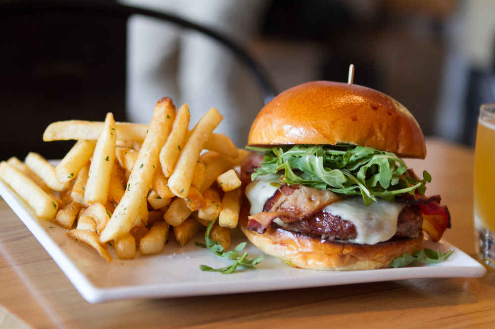 Best Burgers in Los Angeles to Try