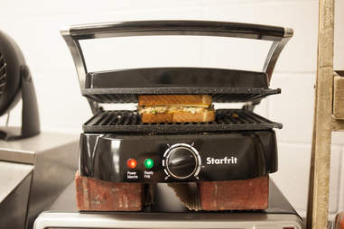 Toruk Cirque du Soleil sandwich press
