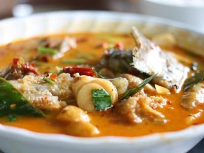 thai food noodles