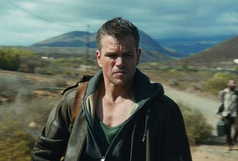 Jason Bourne with bag over his shoulder