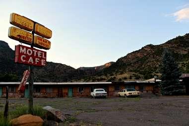 Cimarron abandoned motel