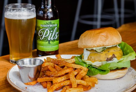 Chefs & Bartenders Tell Us About Their Favorite Mid-Atlantic Food & Drink Road Trips