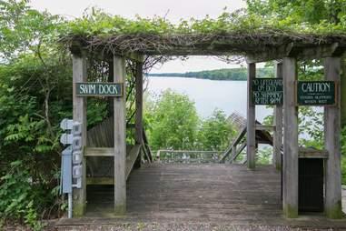 stout's island lodge