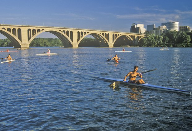 DC-Area Tours You\'ll Actually Want to Go on When Your Family Visits