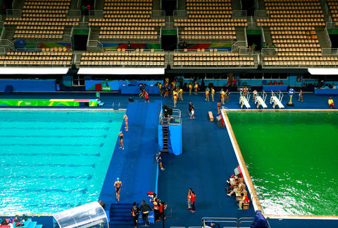 Rio Olympics 2016 Pools Turning Green