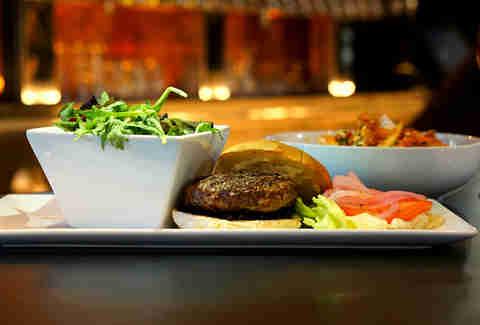best burgers in las vegas nevada thrillist. Black Bedroom Furniture Sets. Home Design Ideas
