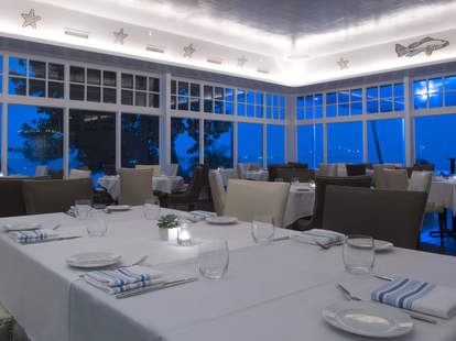 Romantic beach dining and seafood at Palmeiras Beach Club in Miami