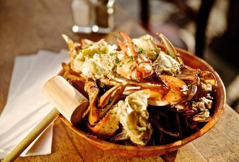 Great Seafood And Beachside Dining At Rustic Inn Crabhouse Fort Lauderdale