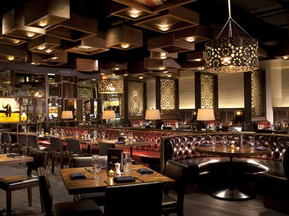 Great burgers and beer at Public House Las Vegas