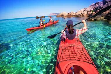 traveling in kayak