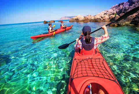 traveling in kayak