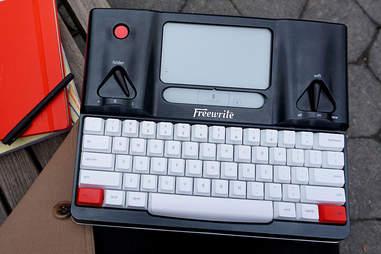 free writer portable typewriter hemingwrite
