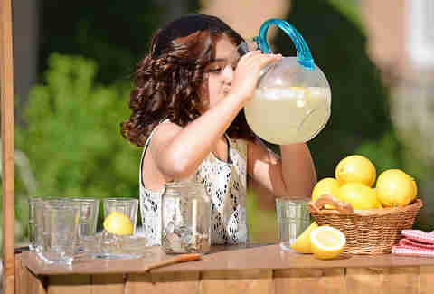 Kid's lemonade stand