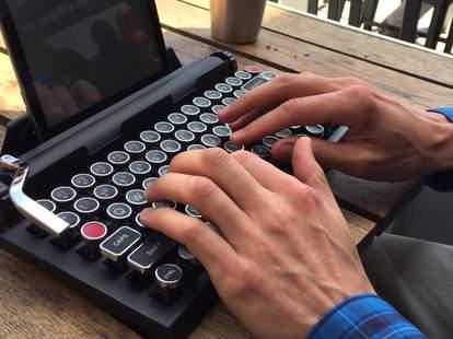 freewrite portable typewriter hipster