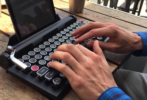 freewrite portable typewriter hipster