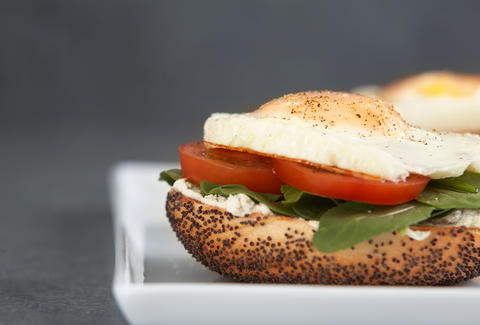 breakfast sandwich on a bagel