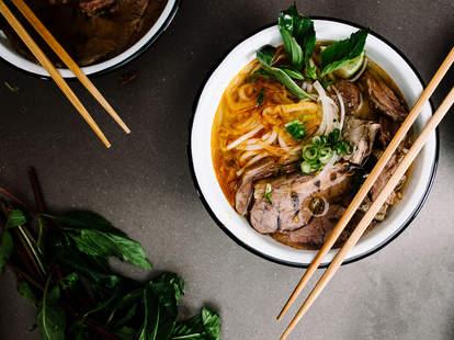 Spicy Vietnamese lemongrass noodle soup
