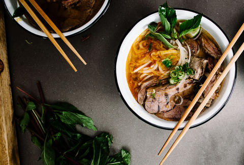 Spicy Vietnamese lemongrass noodle soup