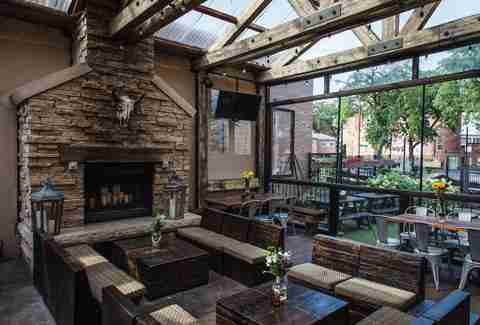 Best Happy Hours In Chicago Neighborhoods River North Lincoln Park