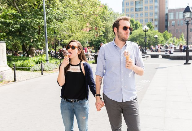 How to Talk to a Woman on a Date With Someone Else