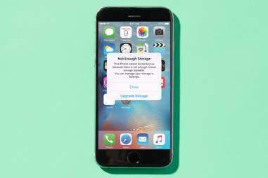iPhone storage alert