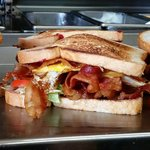 Best sandwiches in houston for a cheap lunch under 6 for Fountainview fish market
