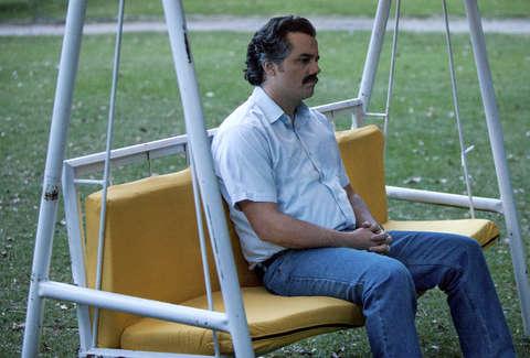 How Did Pablo Escobar Die on Narcos? - Thrillist