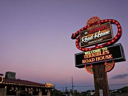 Terrible's Road House
