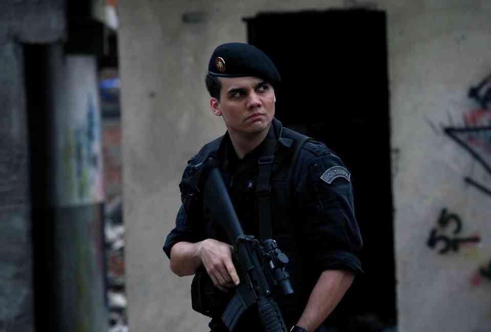 Drug & Crime Dramas to Watch After Netflix's 'Narcos' - Thrillist
