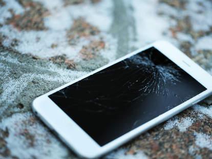 Broken iPhone 6 Screen
