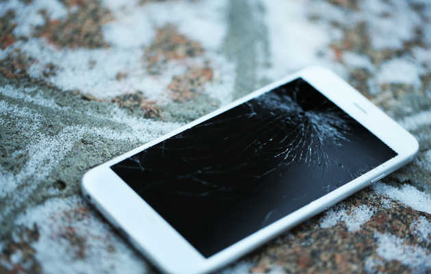 Apple Just Made It Way Cheaper to Fix Your Cracked iPhone Screen