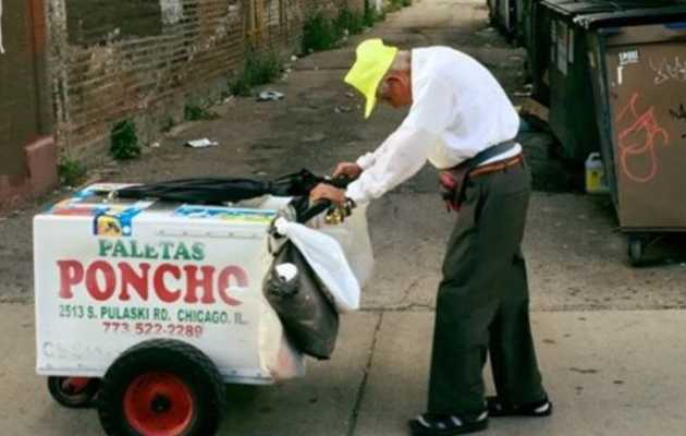 Help Out Chicago's Heartbroken 89-Year-Old Paleta Man This Weekend