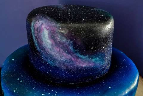 These Galaxy-Themed Cakes Are Out of This World Beautiful