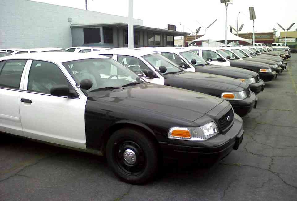 Police Cars For Sale >> How To Buy Used Police Cars Tips Tricks For Cop Auctions Thrillist