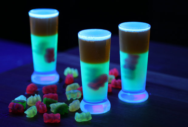 Turn Out the Lights For These Glow in the Dark Jell-O Shots