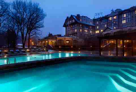 Best resorts in the midwest grand geneva timber creek for Resort and spa near chicago